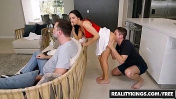 Порнозвезда dolly leigh на траха видео блог