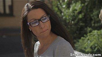 Частный отсос от сучки в солнечных очках